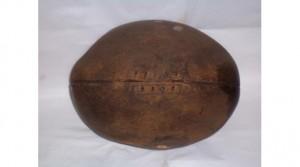 Pierwsza piłka do rugby (Źródło: 80minut.pl)